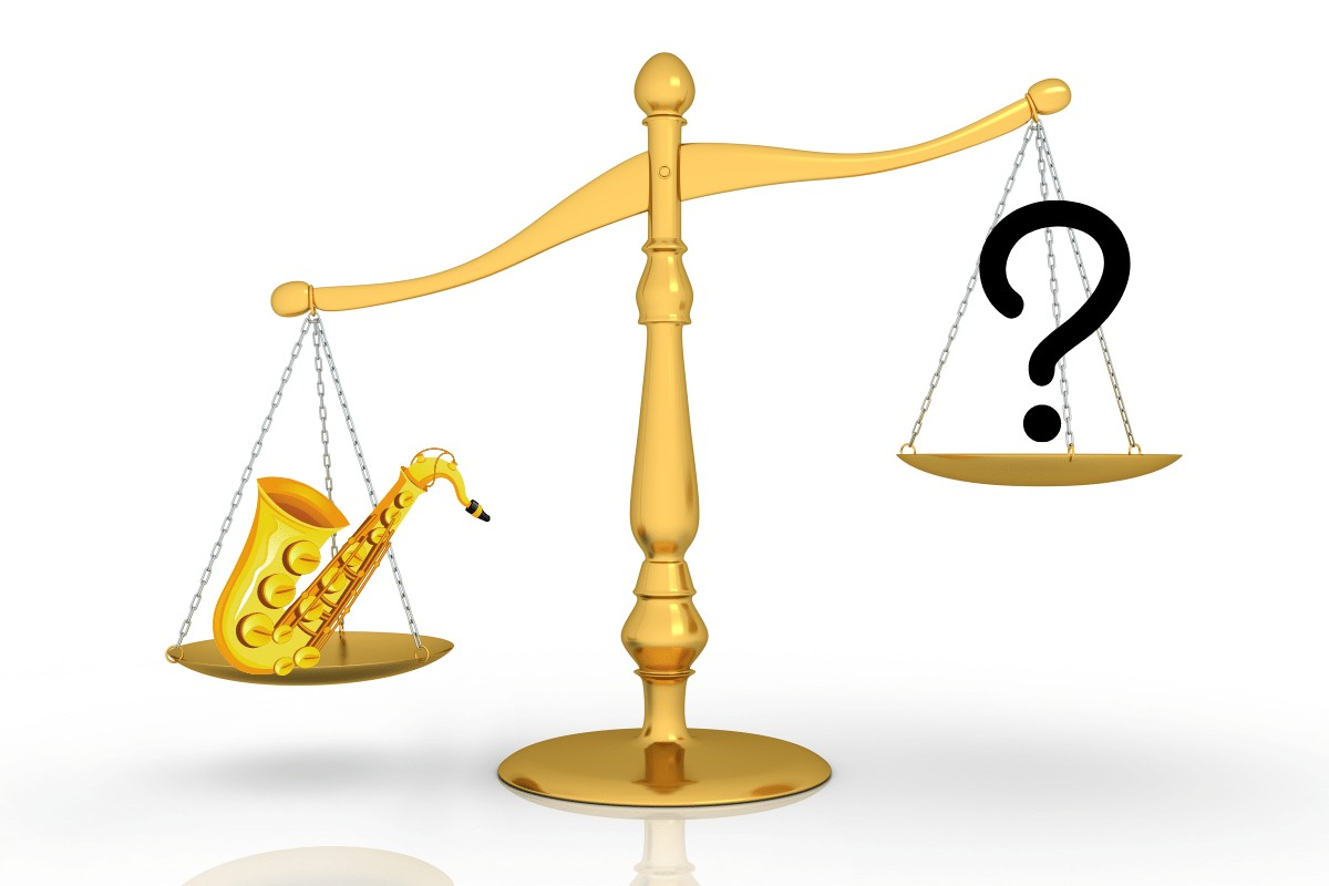 how much does a saxophone weigh